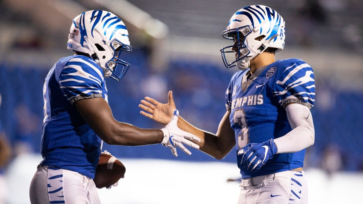 Memphis vs. Cincinnati Betting Odds & Picks: Plenty of Value on Saturday's Over/Under article feature image
