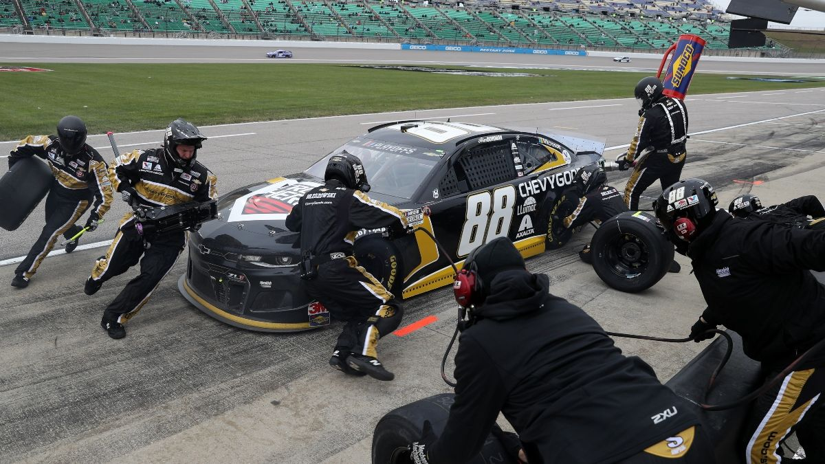 NASCAR Autotrader EchoPark Automotive 500 Odds, Betting Predictions: 2 Prop Bet Picks for NASCAR at Texas (Oct. 25) article feature image