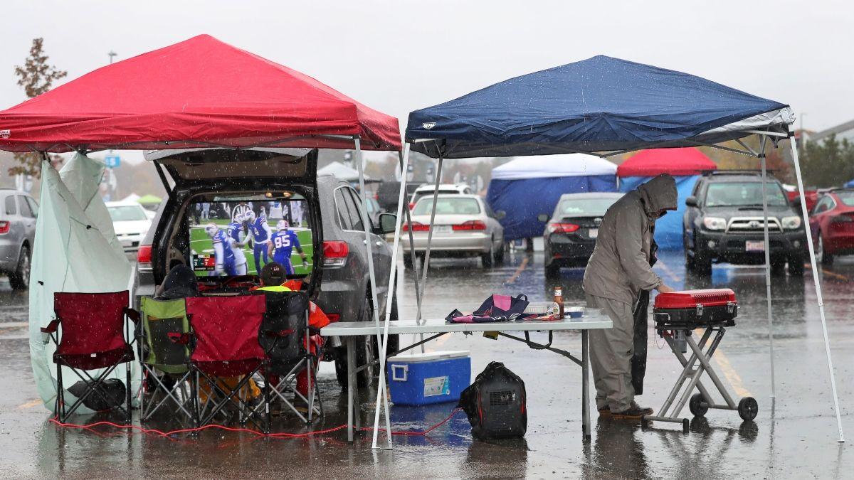 Kansas City Chiefs vs. Buffalo Bills Weather Report: Expect Rain at Bills Stadium on Monday article feature image