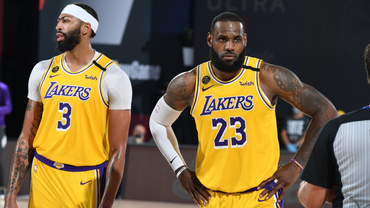 NBA Injury News & Starting Lineups (Jan. 8): Anthony Davis Sits, LeBron James Questionable for Lakers Against Bulls article feature image