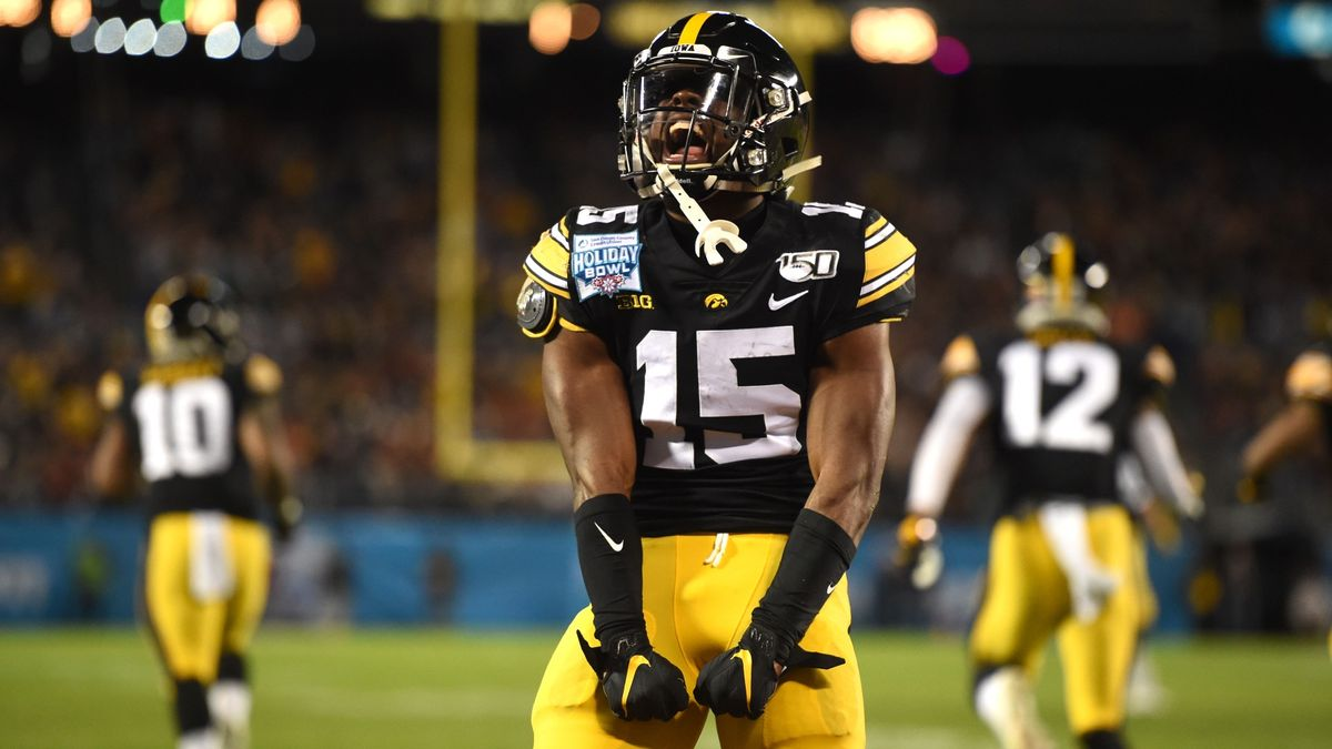 College Football Odds & Picks for Northwestern vs. Iowa: Value on Hawkeyes' and Wildcats' Total article feature image