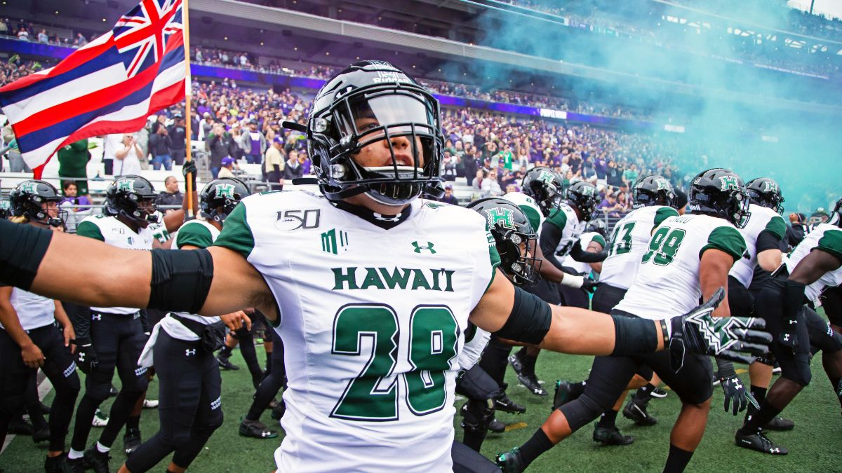 Hawaii at Wyoming Betting Odds & Pick: Value on Rainbow Warriors During Unique Road Trip (Friday, Oct. 30) article feature image