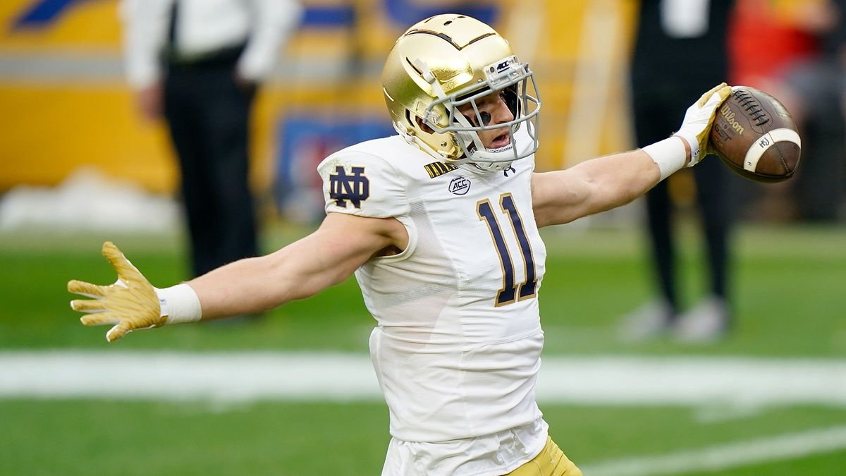 College Football Odds & Picks for Notre Dame vs. Georgia Tech: Saturday's Betting Value Remains With Fighting Irish article feature image