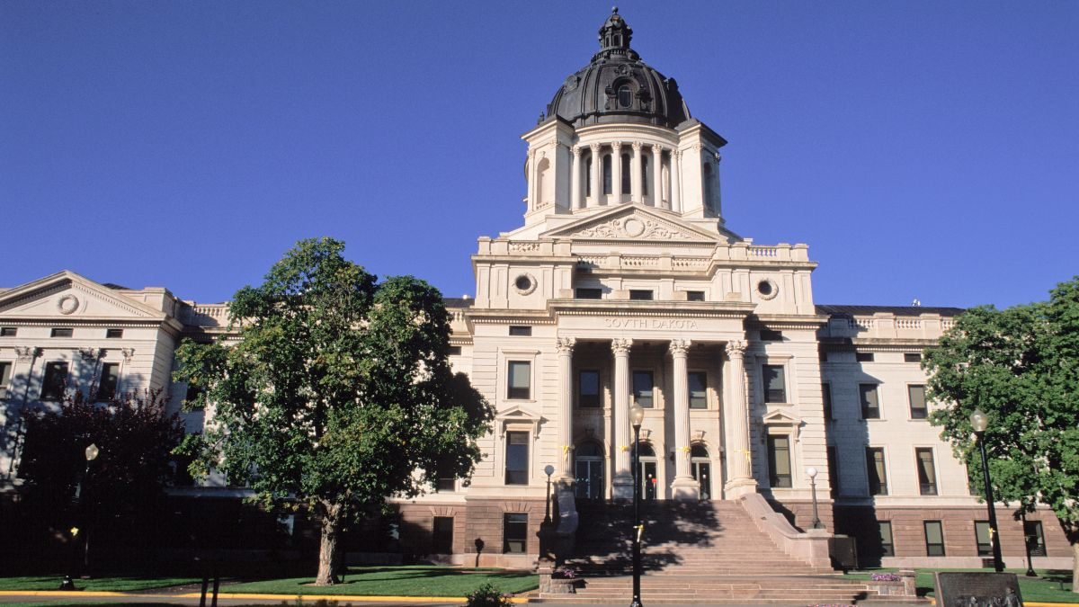 South Dakota Sports Betting Measure 2020 Voter Guide article feature image