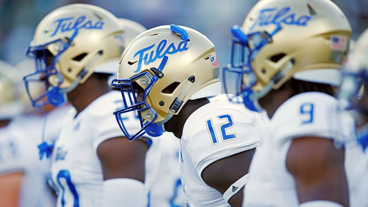 Tulsa at USF Betting Odds & Pick: Stiff Winds Follow Golden Hurricane Back To Florida (Friday, Oct. 23) article feature image