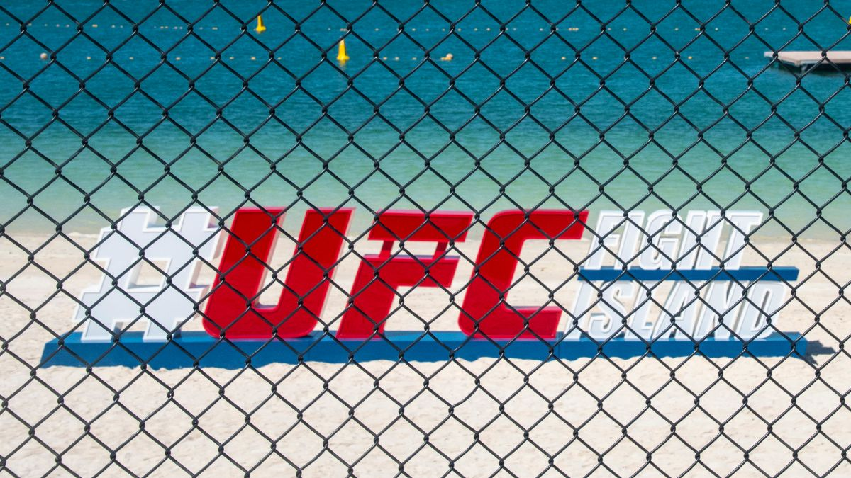 UFC 254 Odds, Model Projections: Betting Picks and Analysis For All 12 Fights (Saturday, Oct. 24) article feature image