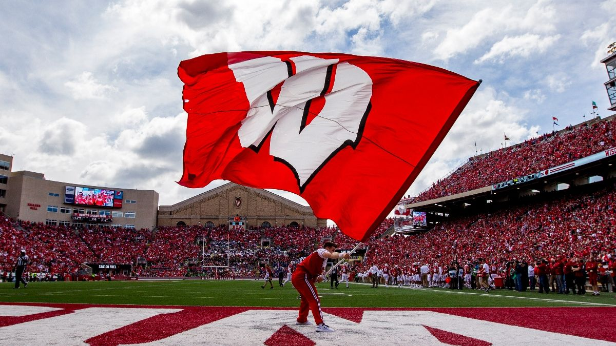 Wisconsin vs. Northwestern Promo: Bet $20, Win $250 if Wisconsin Covers! article feature image
