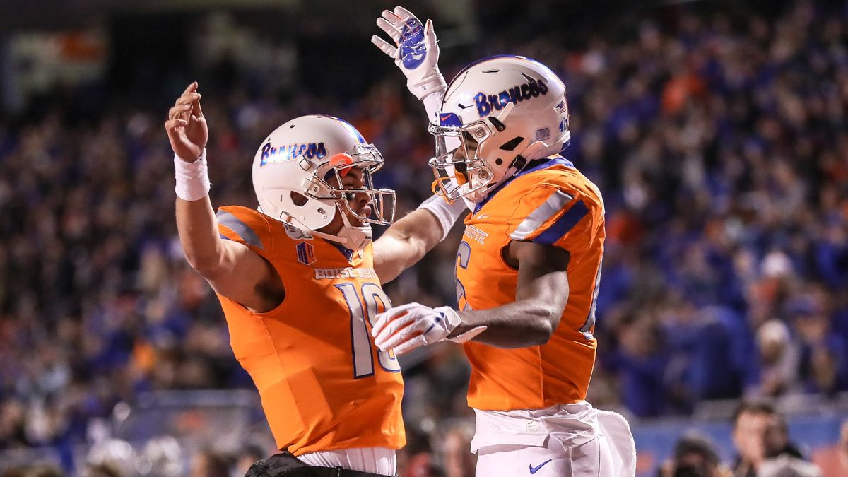 College Football Odds & Picks: How to Bet Friday Night's San Diego State vs. San Jose State, BYU vs. Boise State, More article feature image