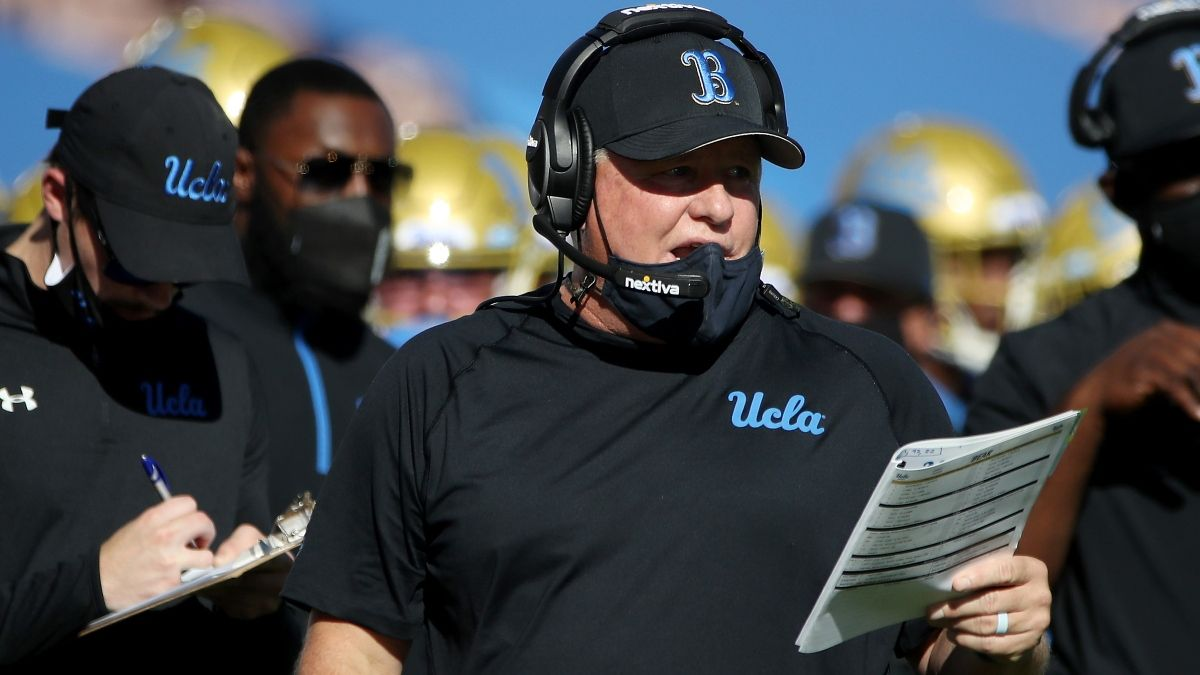 Arizona vs. UCLA College Football Odds & Picks: Bruins Finally Clicking Under Chip Kelly? article feature image