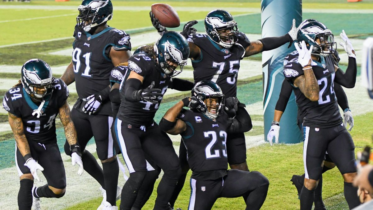 Eagles vs. Giants Odds & Promos: Bet $1, Win $100 if There's at Least 1 Touchdown! article feature image