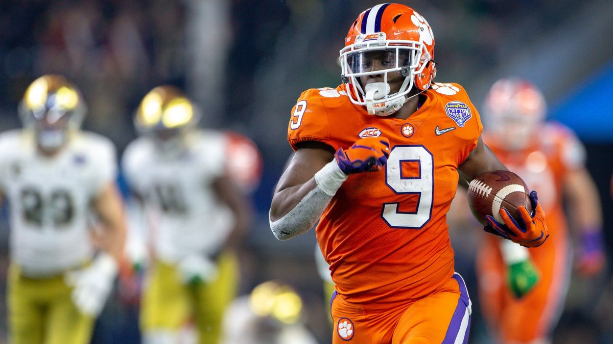 Notre Dame vs. Clemson Odds & Picks: How To Bet This ACC Showdown article feature image