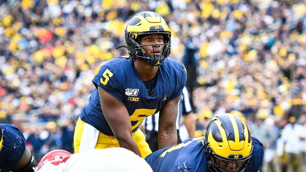 College Football Odds, Sharp Picks: Michigan vs. Wisconsin, Texas Tech vs. Baylor Included in Saturday's Sharp Bets article feature image