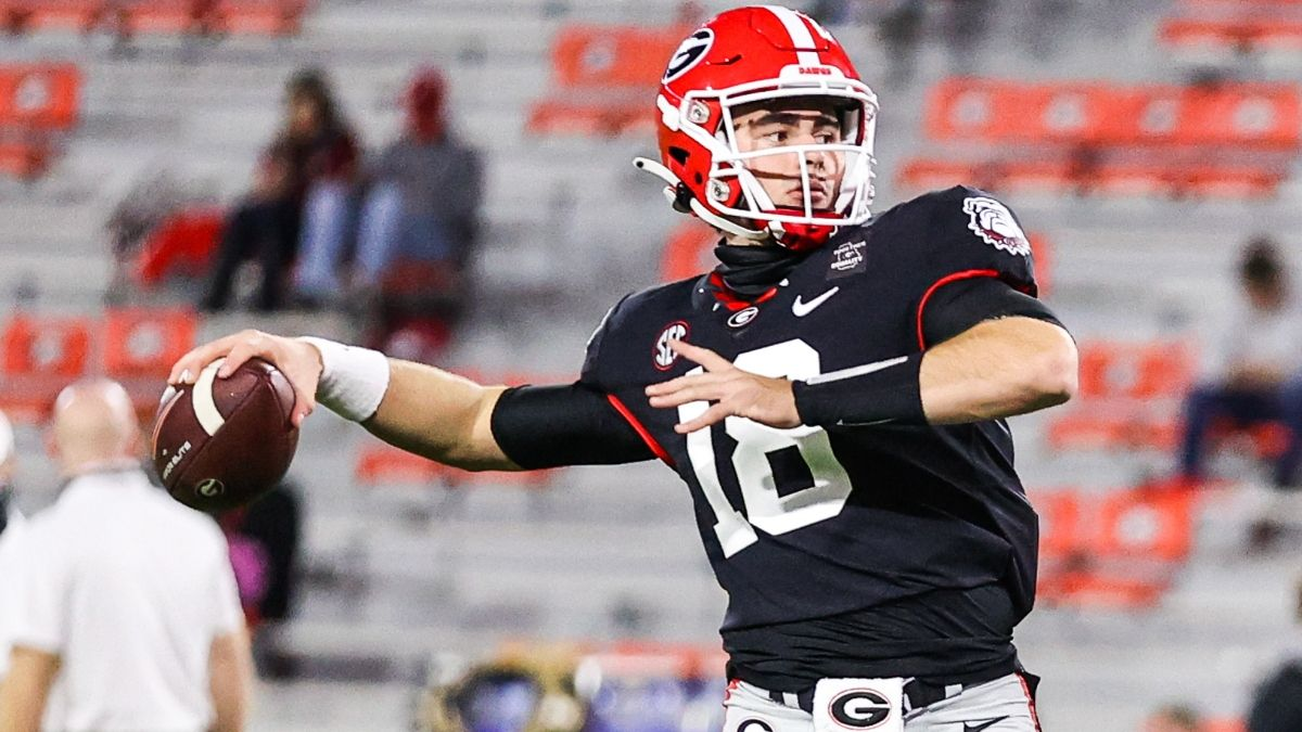 Georgia vs. South Carolina College Football Odds & Picks: Back the Bulldogs in Revenge Spot article feature image