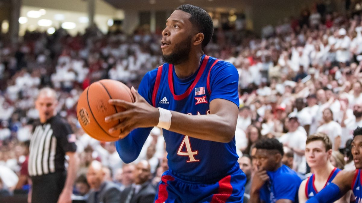 Kansas vs. Kentucky Odds & Promos: Win $125 if the Jayhawks Make a 3-Pointer, More! article feature image