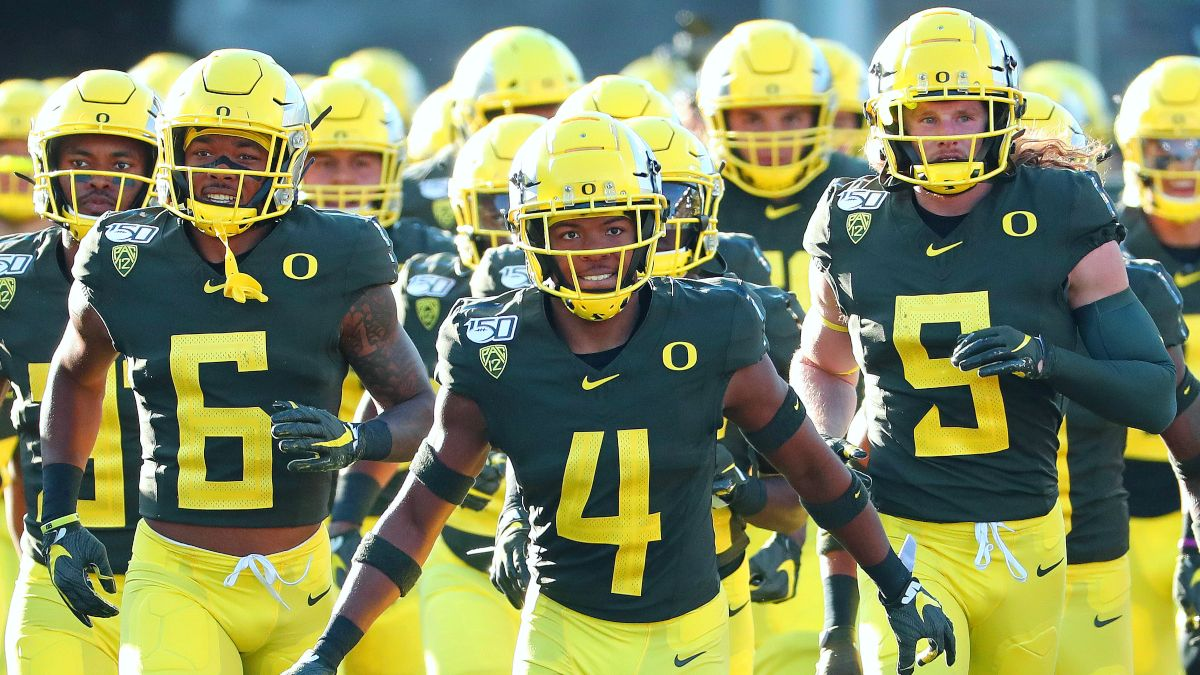 College Football Futures: Betting Value on Oregon & Western Kentucky Ahead of Week 3 article feature image