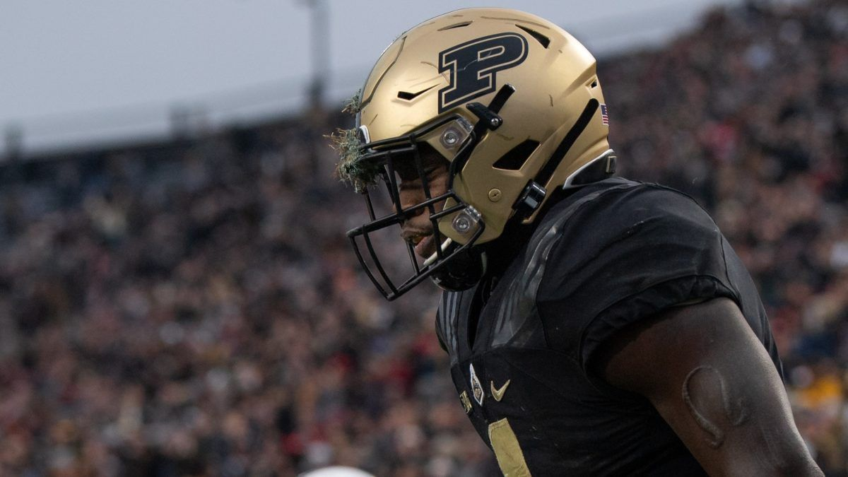 Friday Night College Football Odds & Picks: How to Bet Purdue vs. Minnesota, New Mexico vs. Air Force, 2 More FBS Games article feature image