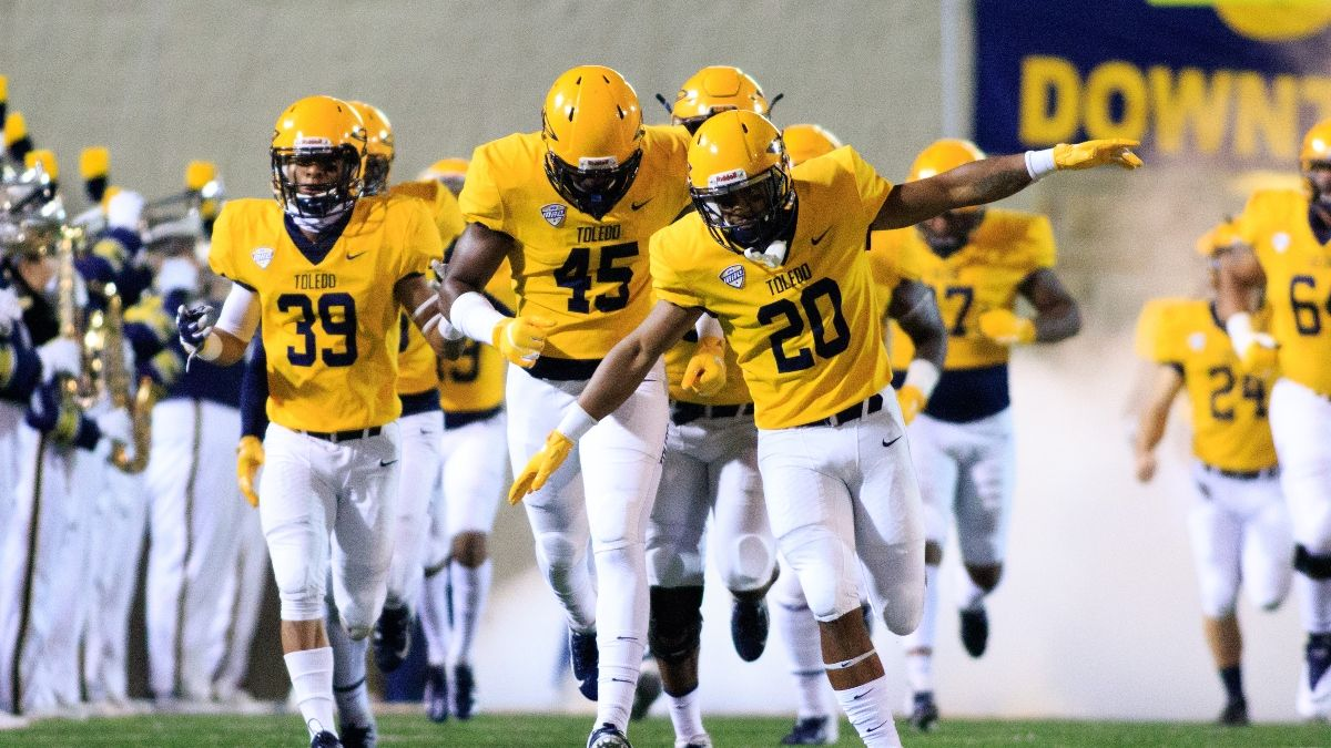 College Football Odds & Weather for Bowling Green vs. Toledo: Windy Forecast Expected at Glass Bowl (Wednesday, Nov. 4) article feature image