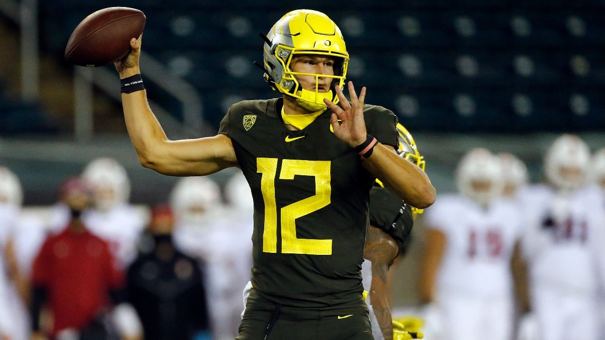 Oregon vs. Oregon State Odds & Pick: How We're Betting Friday's In-State College Football Rivalry article feature image
