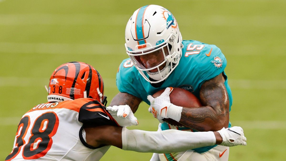 Fantasy Football Week 15 Waiver Wire Pickups: Lynn Bowden's Versatility Makes Him Intriguing Flyer article feature image