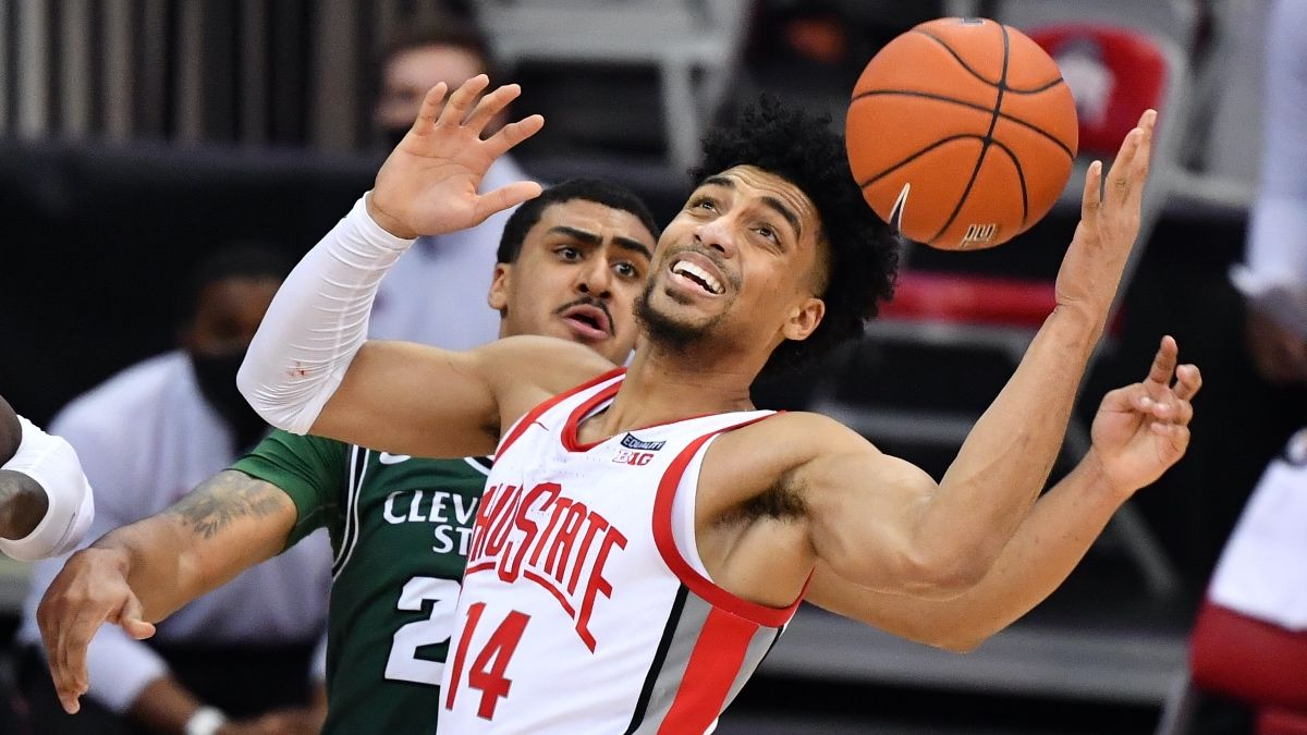 College Basketball Betting Odds & Picks: Back a Low-Scoring Matchup Between Ohio State & UCLA article feature image