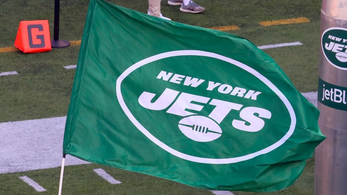Jets vs. Raiders Odds & Picks: How Wind Is Moving This Total article feature image