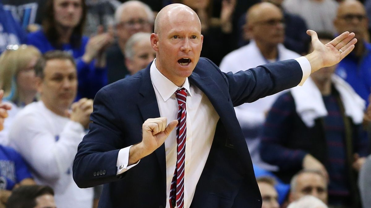 College Basketball Odds & Picks for Oregon vs. Seton Hall: Sharp Money Moving Friday Night's Betting Line article feature image