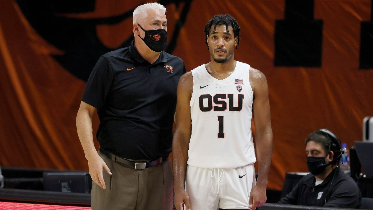 Thursday's College Basketball Odds & Picks: How Sharps Are Betting Portland vs. Oregon State article feature image
