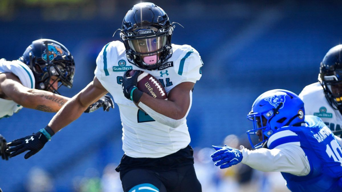 College Football Odds & Betting Pick: BYU vs. Coastal Carolina Preview (Saturday, Dec. 5) article feature image