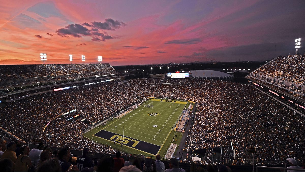 College Football Odds, Picks & Promotions: Your Saturday Betting Cheat Sheet for Week 14 article feature image