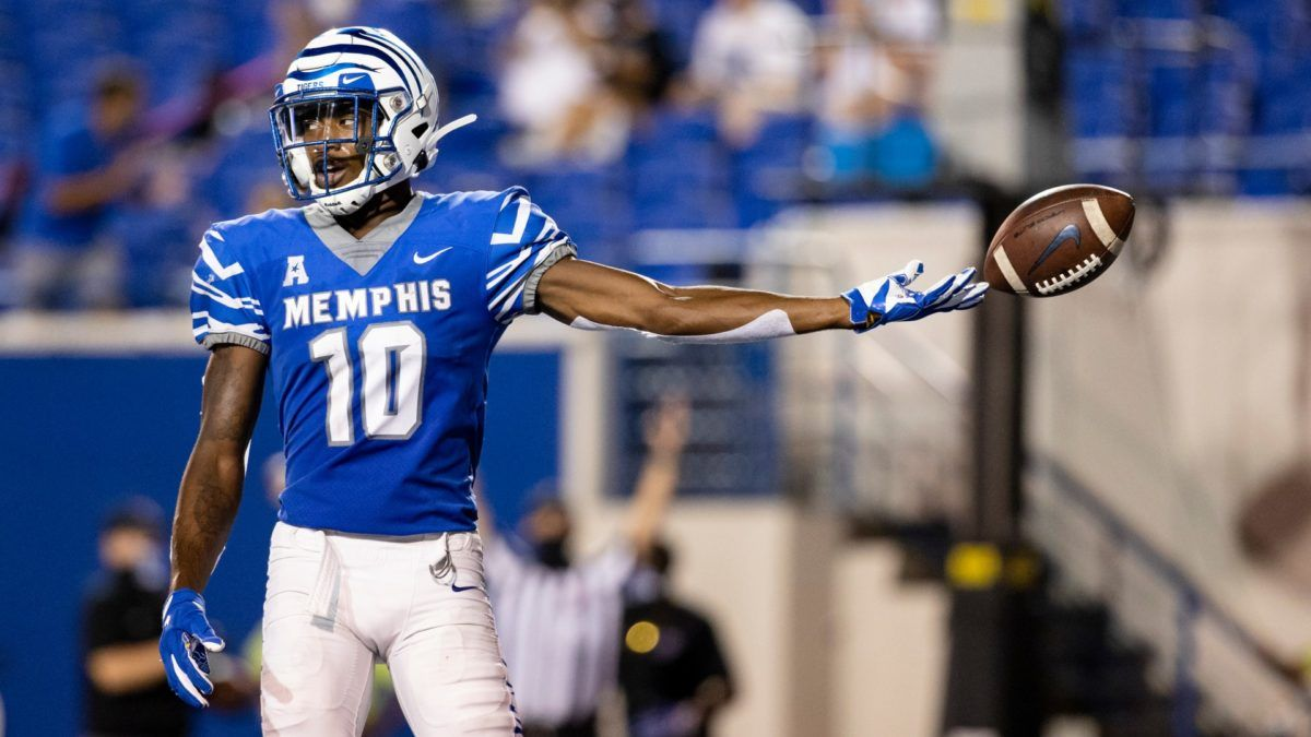 Memphis vs. Florida Atlantic Odds & Picks for Montgomery Bowl: Total Provides Quality Betting Value on Wednesday article feature image