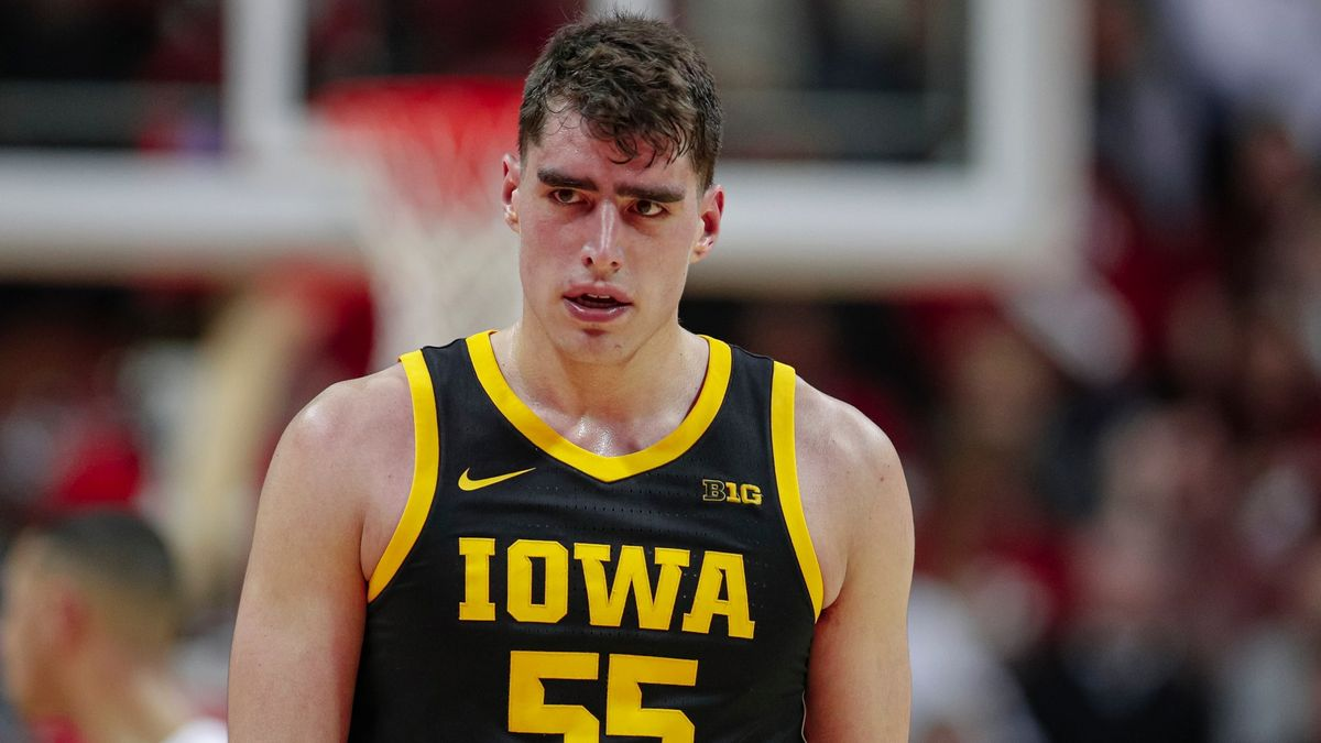 Iowa Hawkeyes Promo: Bet $20, Win $125 if Luka Garza Scores at Least One Point! article feature image