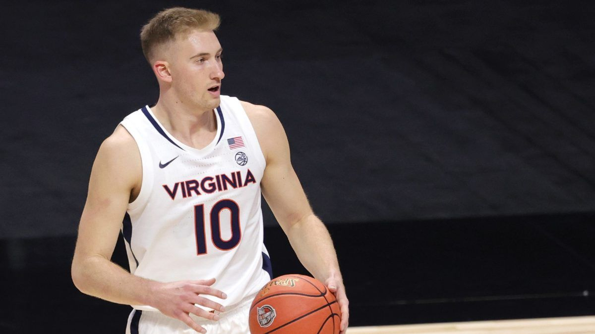 Virginia vs. Notre Dame College Basketball Odds & Picks: Back the Hoos in Defensive Clash article feature image