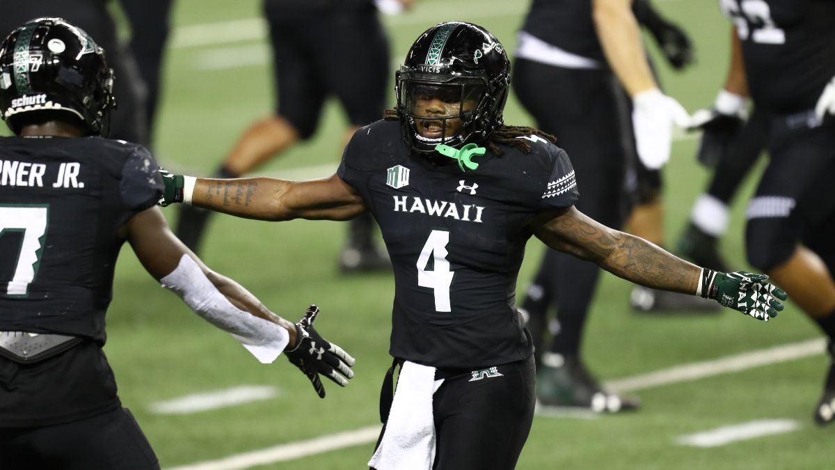 Thursday New Mexico Bowl Betting Odds & Pick for Hawaii vs. Houston: Sharp Action, Weather Forecast Point To Value (Dec. 24) article feature image
