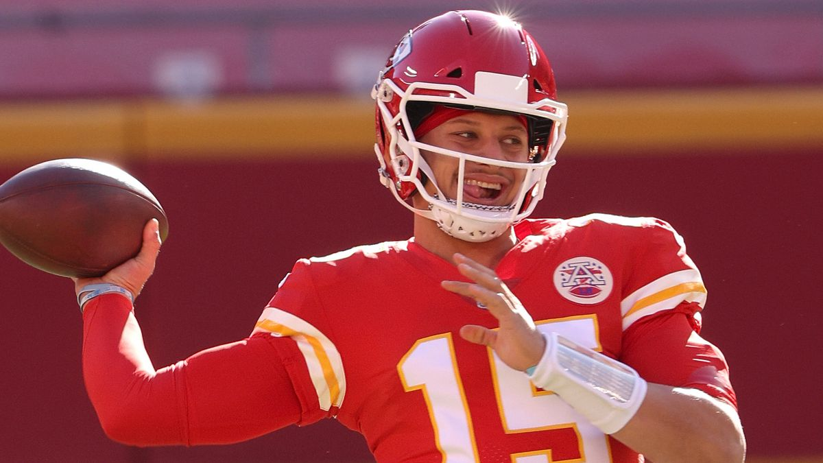 Updated Bills vs. Chiefs Odds: Patrick Mahomes Toe Injury Moving AFC Championship Game Spread article feature image