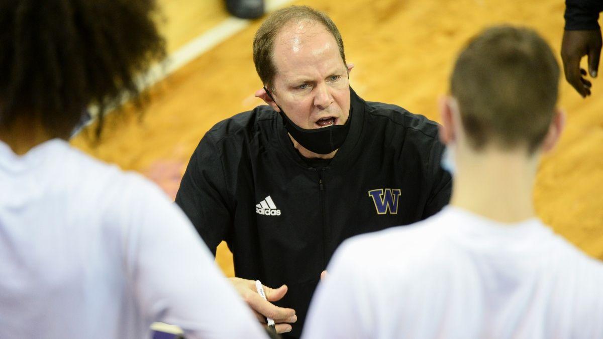 Arizona vs. Washington Thursday College Basketball Odds & Picks: Bet On Underdog Huskies' Stingy Zone Defense article feature image