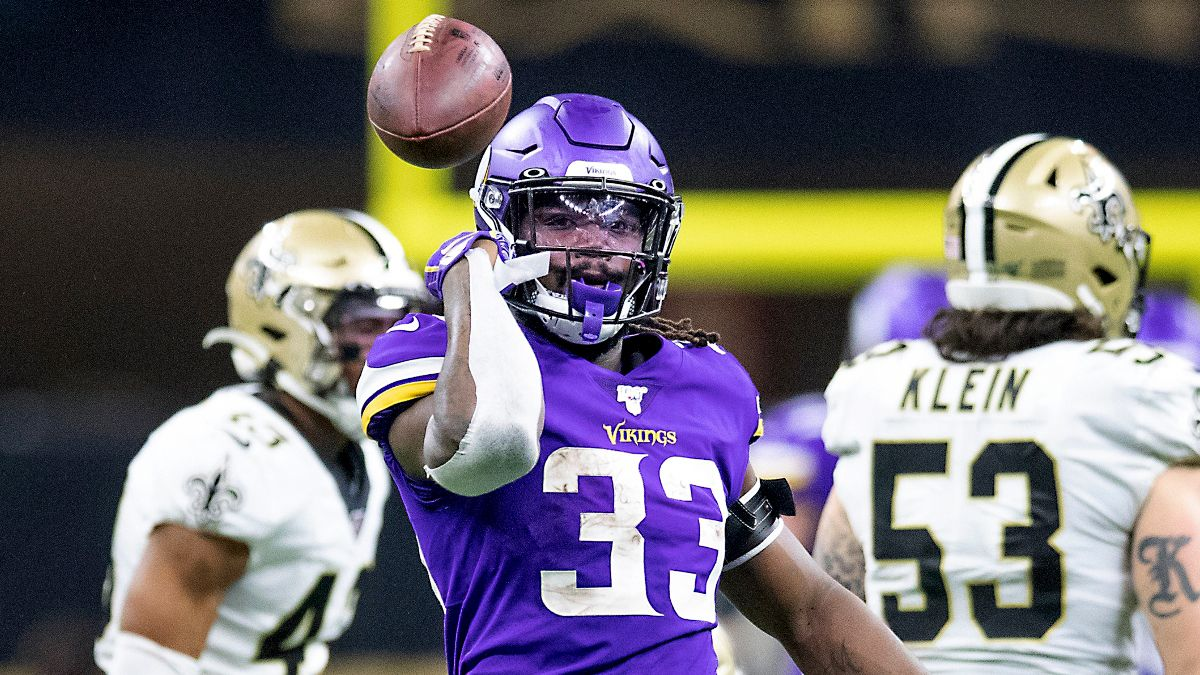 NFL Predictions: Spread & Total Picks For Vikings vs. Saints On Christmas article feature image