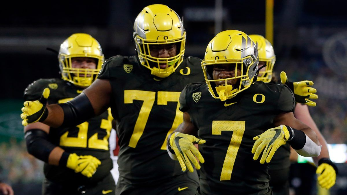 Pac-12 Championship Odds & Pick: How to Bet Oregon vs. USC (Friday, Dec. 18) article feature image