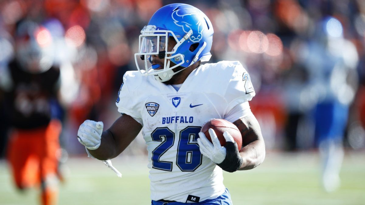 College Football Odds & Picks for Buffalo vs. Ohio: Betting Value on Saturday's Over/Under article feature image
