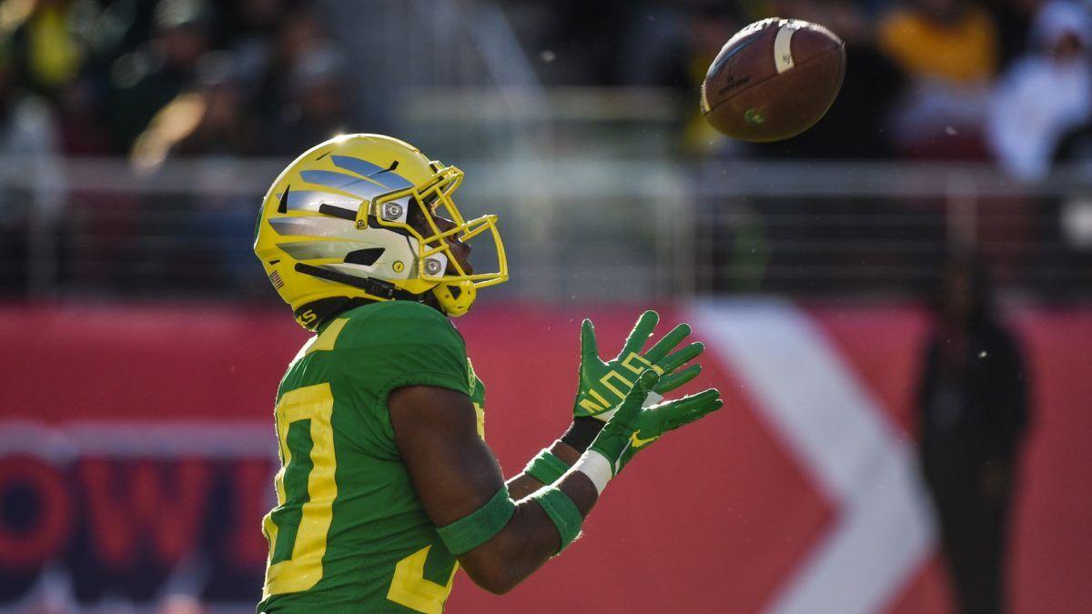 Oregon vs. Iowa State College Football Betting Odds & Pick: Back the Quack in Fiesta Bowl Showdown article feature image