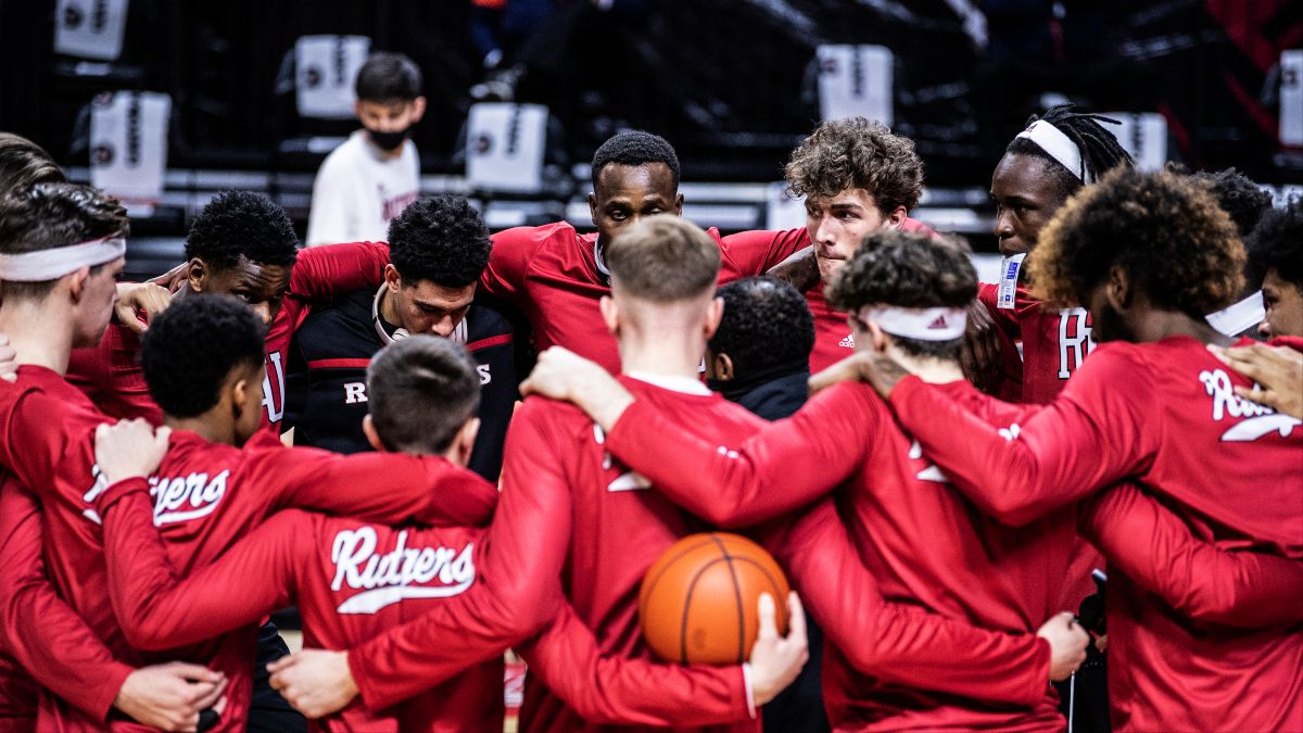 NCAA Basketball Odds & Picks: How to Bet Tuesday's College Hoops Slate article feature image