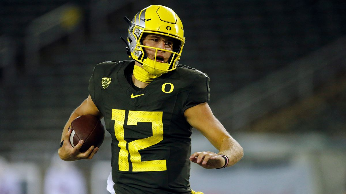 College Football Betting Odds & Pick: Oregon vs. California (Saturday, Dec. 5) article feature image