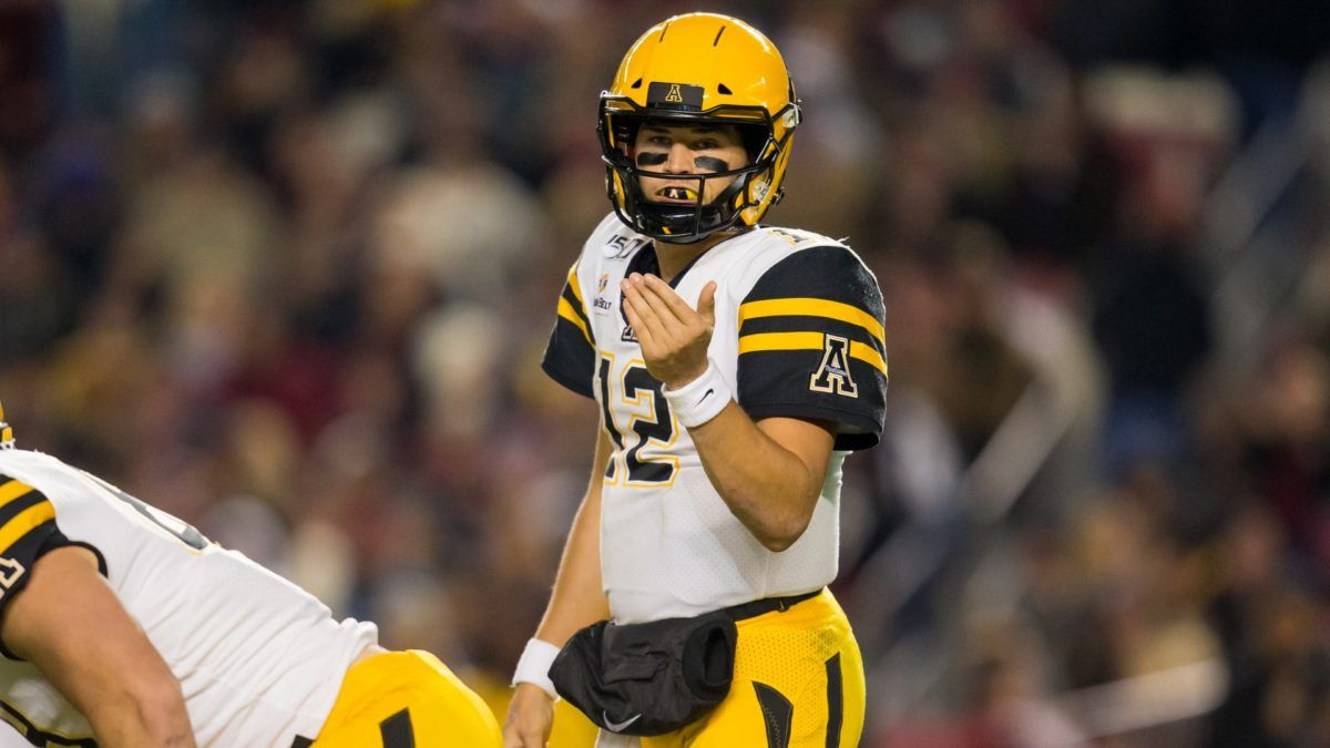 Friday College Football Betting Odds & Picks for Louisiana-Lafayette vs. Appalachian State article feature image
