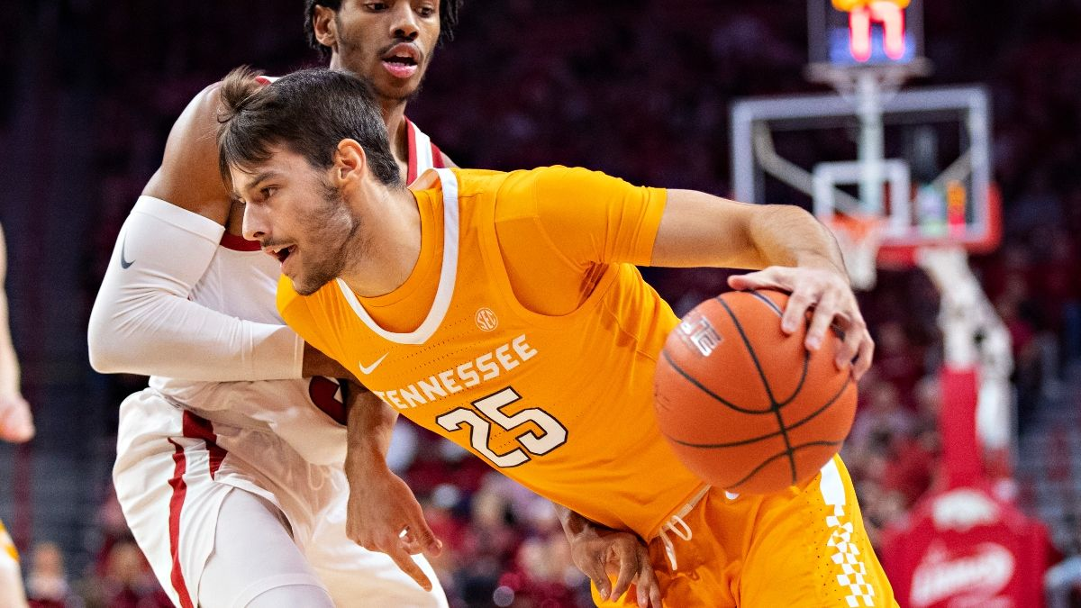 College Basketball Odds & Pick for Colorado vs. Tennessee: How Sharps Are Betting the Over/Under (Tuesday, Dec. 8) article feature image