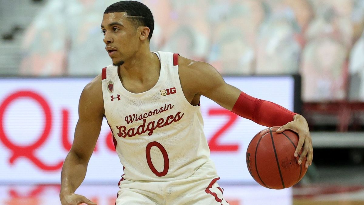 Odds & Pick for Indiana vs. Wisconsin Basketball: How To Bet the Total in Big Ten Matchup article feature image