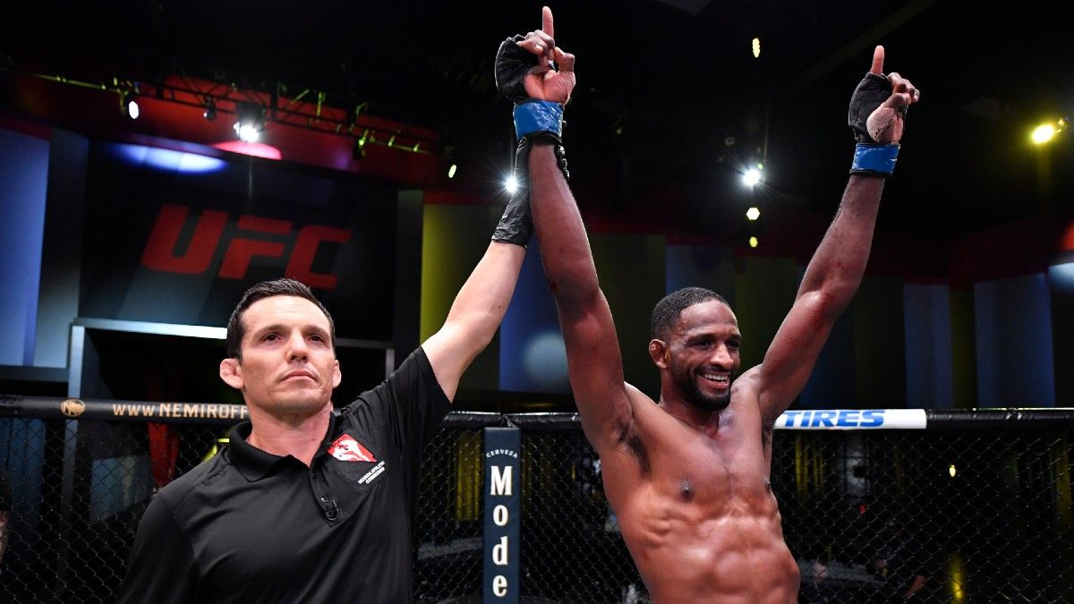 UFC Fight Night Odds & Picks: How to Bet All 14 Fights (Wednesday, January 20) article feature image