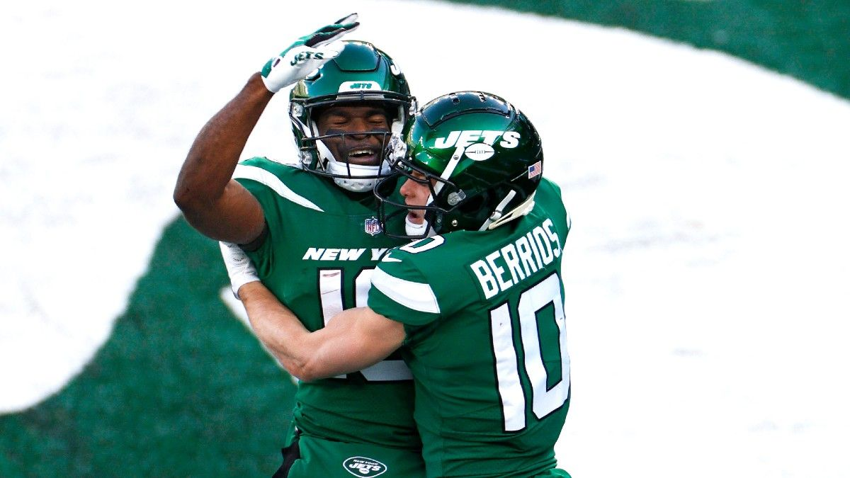 Rovell's NFL Week 17 Bookmaker Q&A: What To Do With the New-Look Jets article feature image