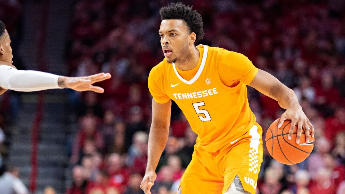 Alabama vs. Tennessee Odds & Pick: Lay the Big Number, Back the Volunteers' Strong Defense article feature image