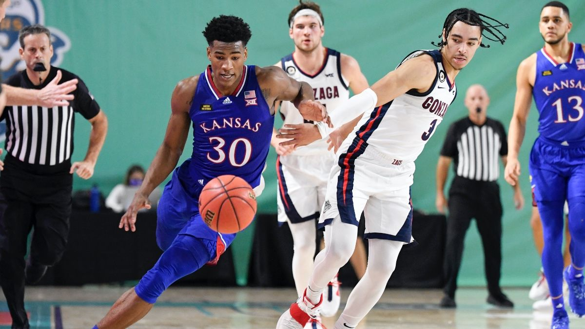College Basketball Odds & Picks for Kansas vs. Texas: Bet the Jayhawks In Big 12 Battle article feature image