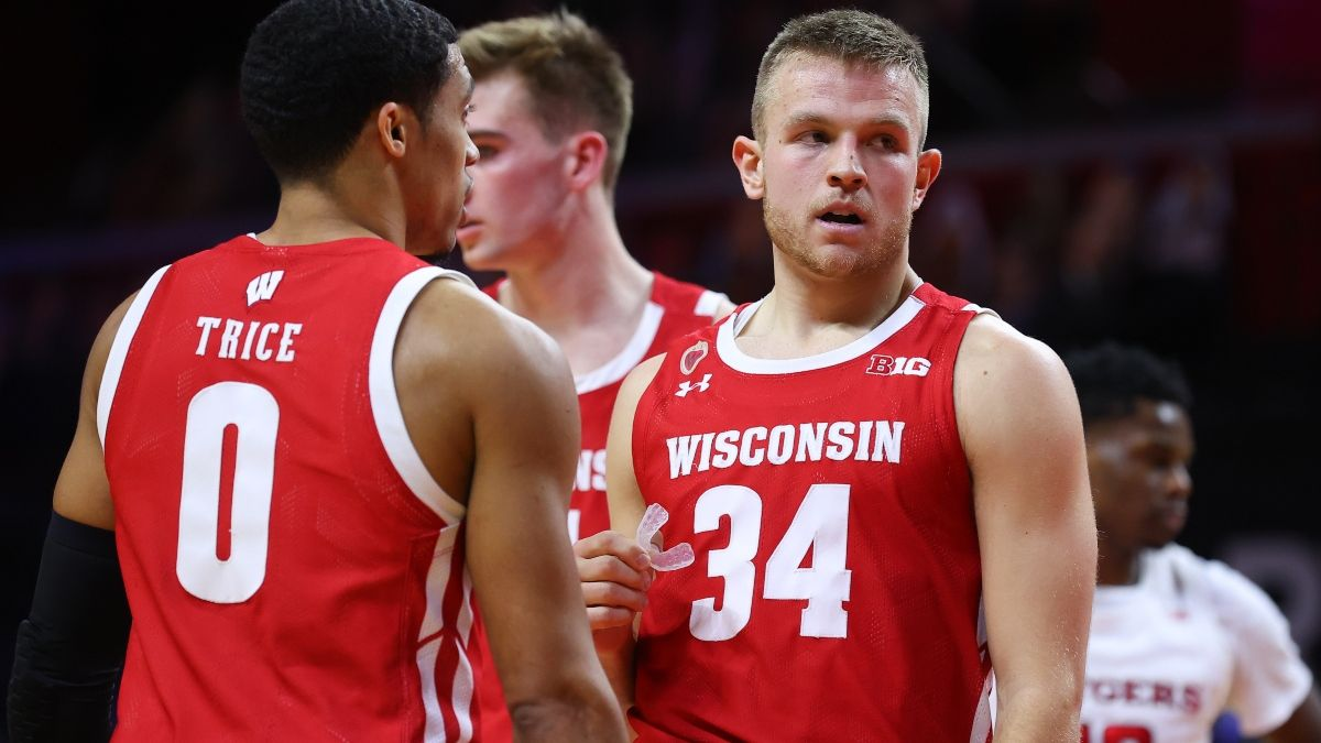 Odds & Pick for Northwestern vs. Wisconsin Basketball: Target the Total in Madison article feature image