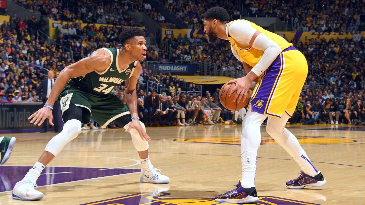 Lakers vs. Bucks Odds & Picks: Value on Over/Under in Matchup Between Title Contenders article feature image